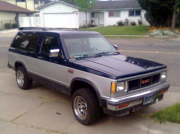 1984 Gmc S15 Jimmy It Looks Like A Blocky Bastardized Batmobile Gmc Chevy S10 Chevy S10 Xtreme