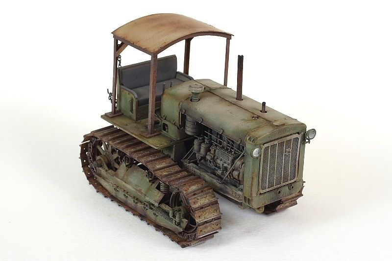 Trumpeter ChTZ S-65 Russian Tractor with Cab Vehicle Model Kit Scale 1//35