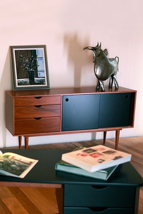 Enfilade fidar noir id es maison enfilade mobilier de salon et meuble bois - Salle de bain charlotte perriand ...
