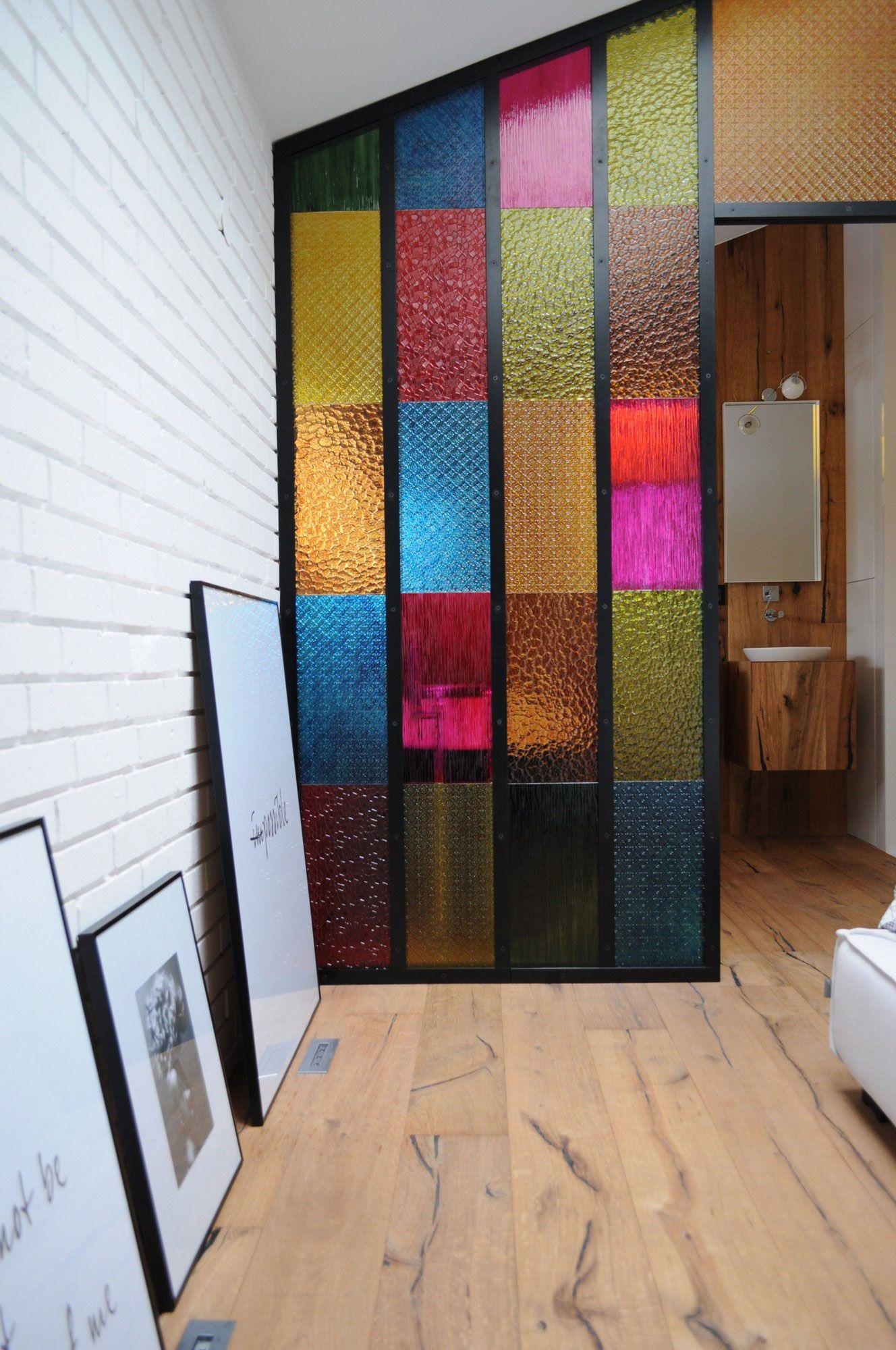 Bedroom bathroom partition in colored plastic panels diy idea