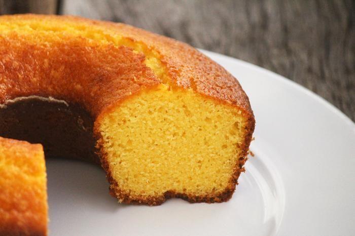 Como fazer um delicioso bolo de fubá Blender   - Bolos -