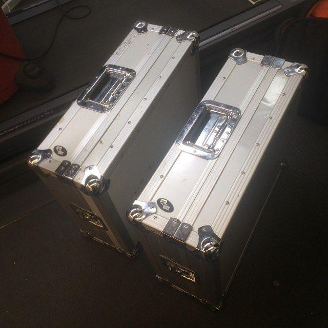 Picked up two technics flight cases for $20 just the other day.  Sick deal  #technics #serato #traktor #rekordbox #odyssey #flightcase #craigslist #dj #djs #edm #turntablism #turntable #shure #dvs #vinyl #records #protection #bromoneyproductions #ballingonabudget #deals #djlife #pioneerdj by djbromoney http://ift.tt/1HNGVsC