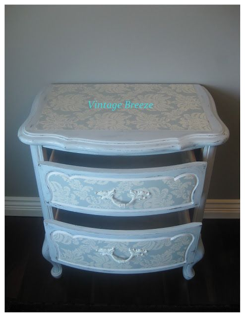 Vintage Breeze: French Provencal Side Table ~Homemade Chalk Paint....again~