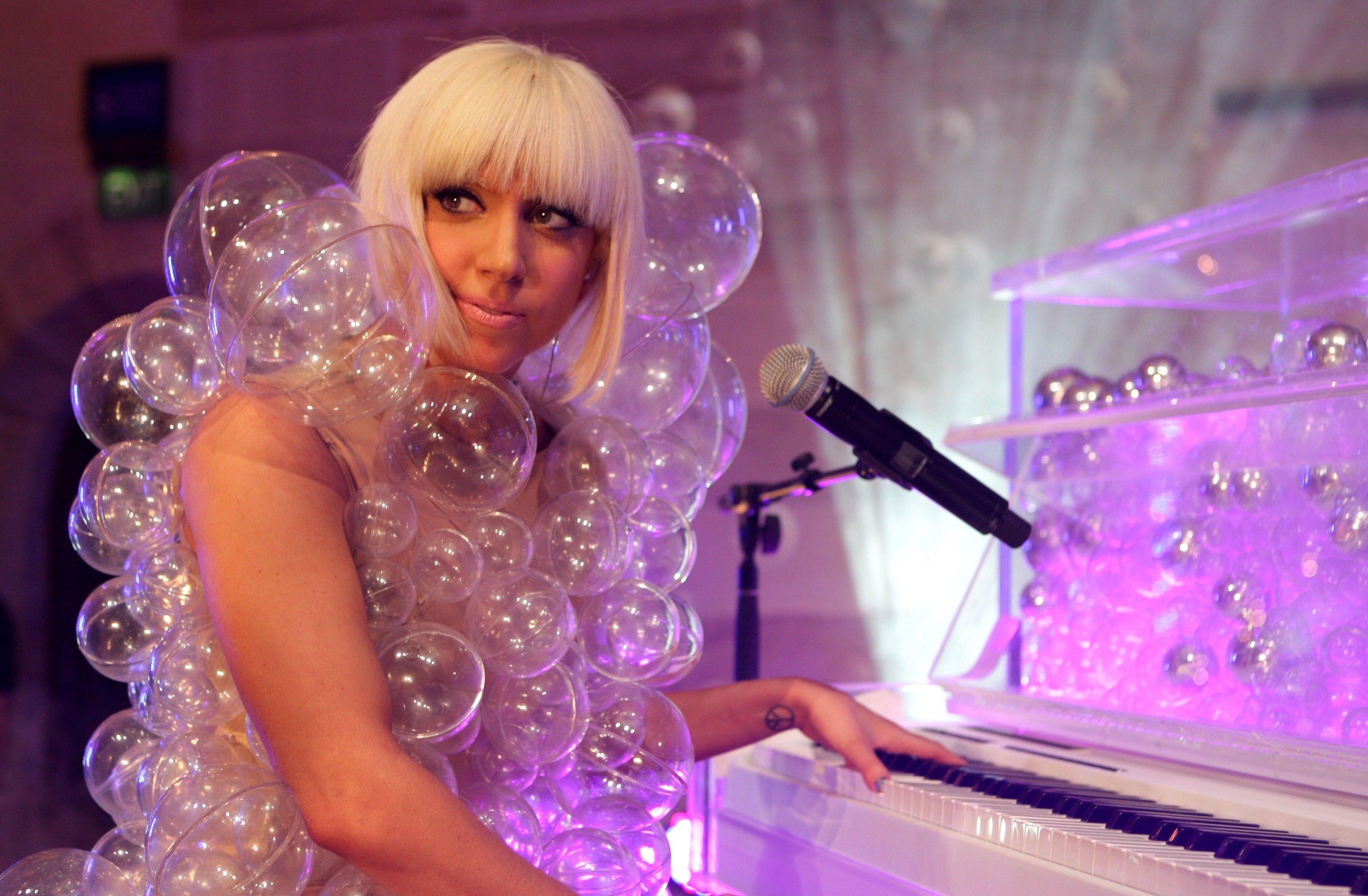 Pix For > Lady Gaga Bubble Outfit | Raw Fusion | Pinterest ...