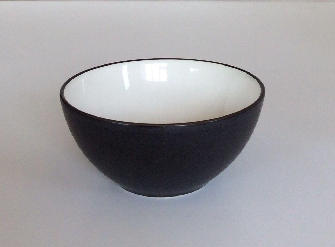 Ciotola in ceramica nera con interno bianco. H.cm7,5xdiametro15.
