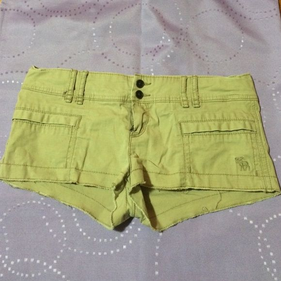 Abercrombie and Fitch shorts Khaki shorts in great condition, only worn a couple of times. No stains or rips. Brand new conditions. Abercrombie & Fitch Shorts