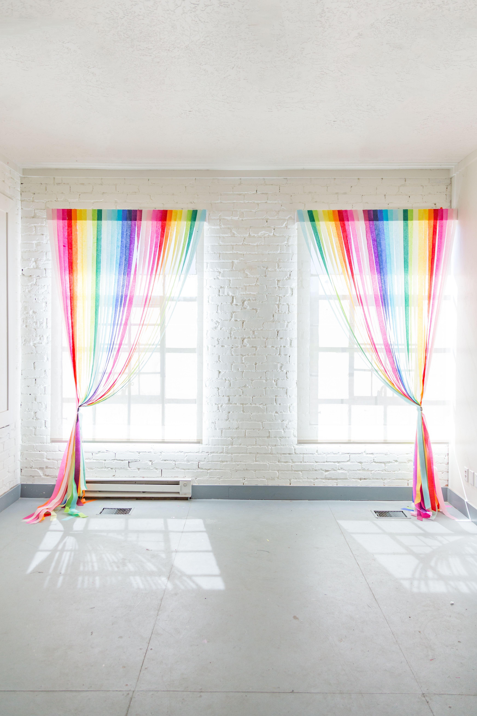 Diy Rainbow Streamer Curtains Streamers Rainbows And Room # Muebles Rainbow