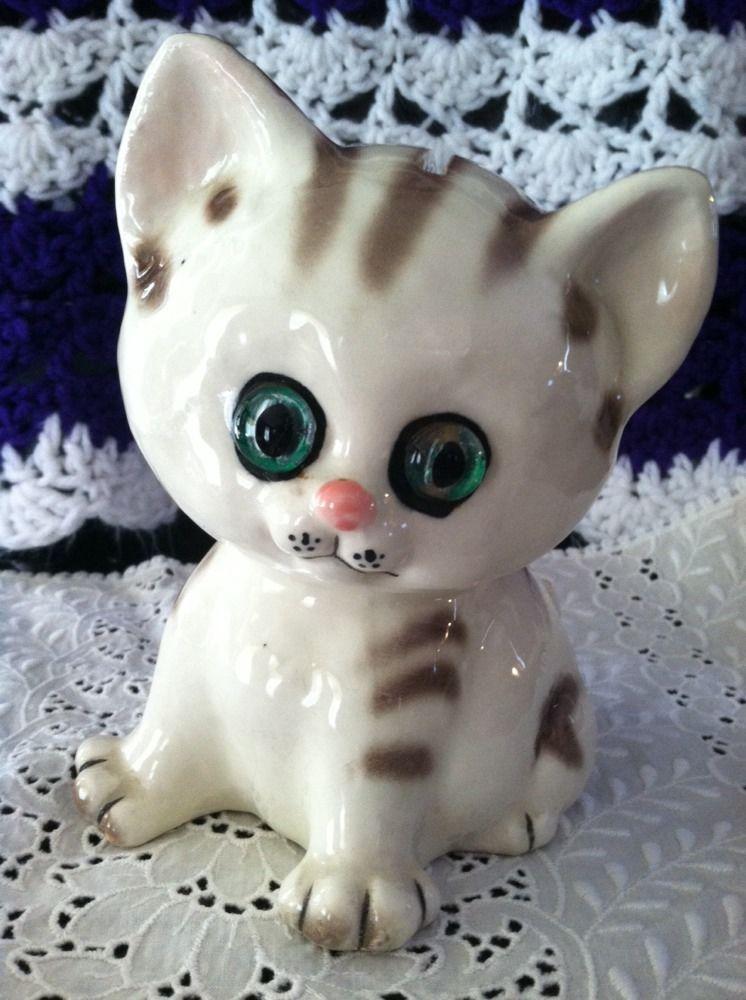 Vintage Porcelain Big Eye Cat Bank #3893