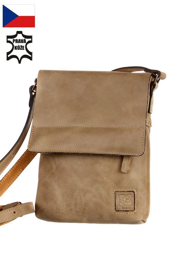 22314b7f6 Malá dámská kožená kabelka přes rameno - Česká výroba - koupit online na  Glara.cz #glara #fashion #kabelky #kabelka #crossbody #kabelkapřesrameno ...