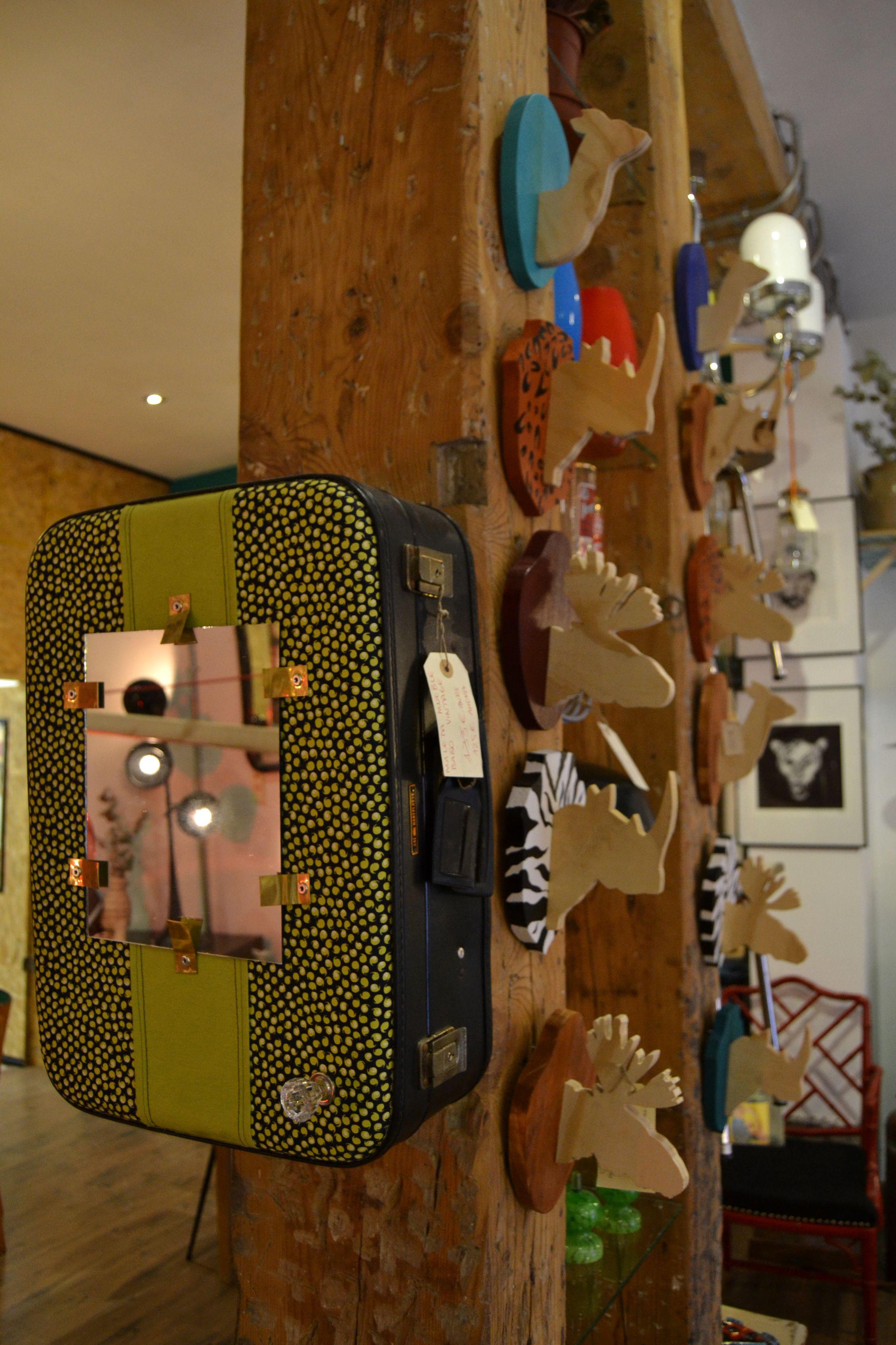Maleta Antigua Reciclada Y Convertida En Mueble Para El Ba O  # Muebles Handmade