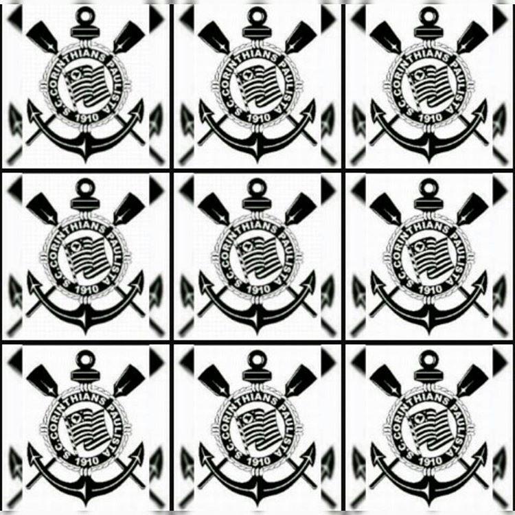 CORINTHIANS Salve o Corinthians O campeão dos campeões Eternamente dentro dos nossos corações Salve o Corinthians de tradições e glórias mil Tu és orgulho Dos desportistas do Brasil Teu passado é...