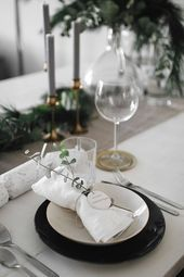 Holiday Decor: Christmas Dinner Table » teetharejade