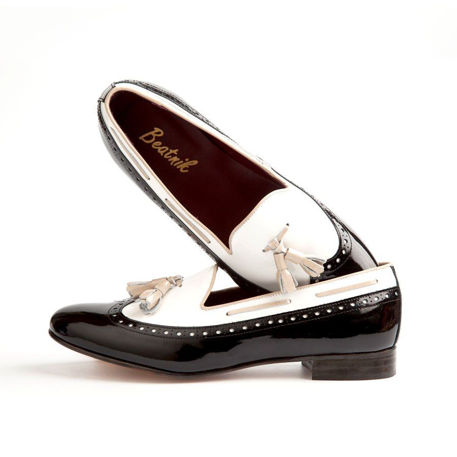 DINAH | beatnikshoes.com  - Ballerina Handmade in Spain. Made of genuine black and white patent leather. Total comfort. Shipping worldwide.129,9 €