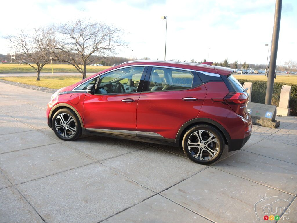 Chevy Bolt EV goes behind the scenesCar News Auto123