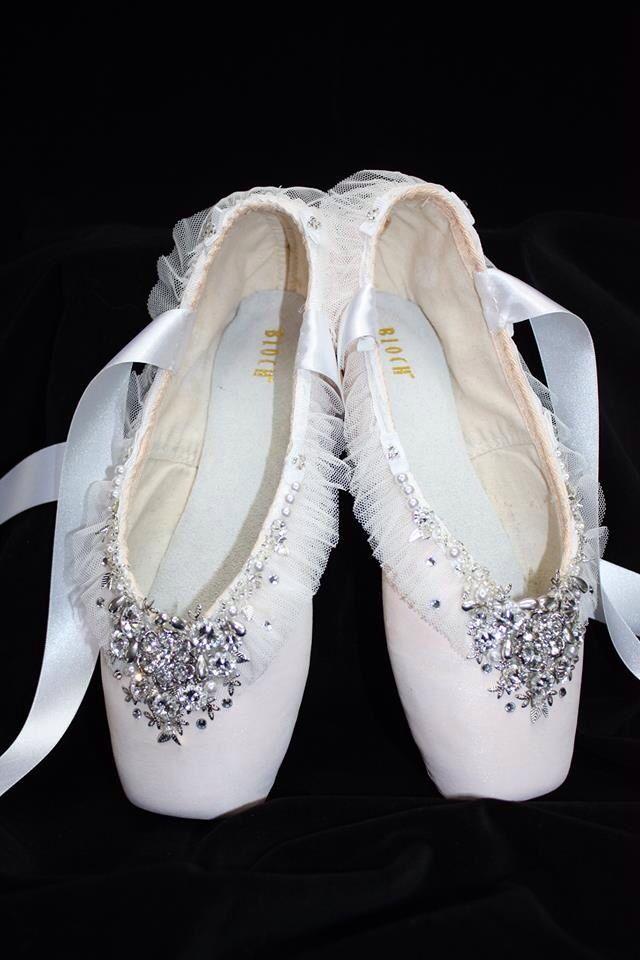 The pretty Bloch pointe shoes I