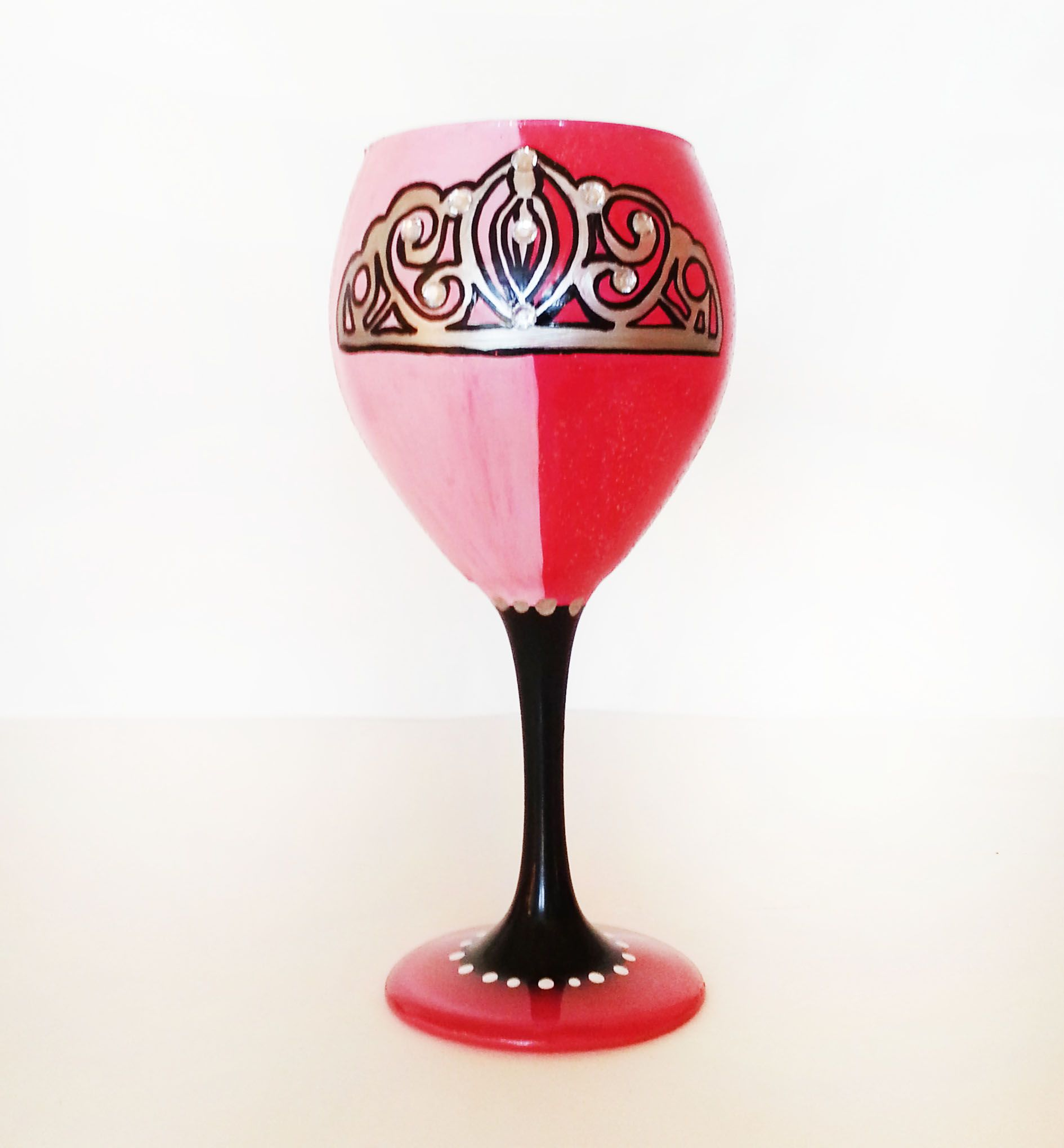 Pin By Catherine Strauss On Www Etsy Com Shop Cbglassware Wine Glass Crafts Diy Wine Glasses Diy Wine Glass