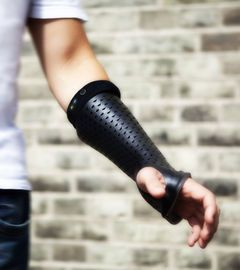 Bones orthopaedic cast which digitally monitors the recovery process