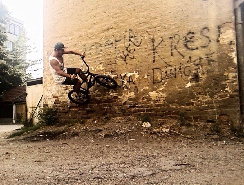 9c1b009a39e240 Street wall ride SOS 505. Bmx