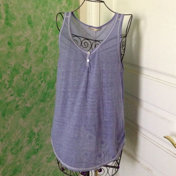 Old Navy Button Tank size Large Dress Old navy tank, in good condition. There's a small stain in the front but otherwise in good condition :) Old Navy Tops Tank Tops