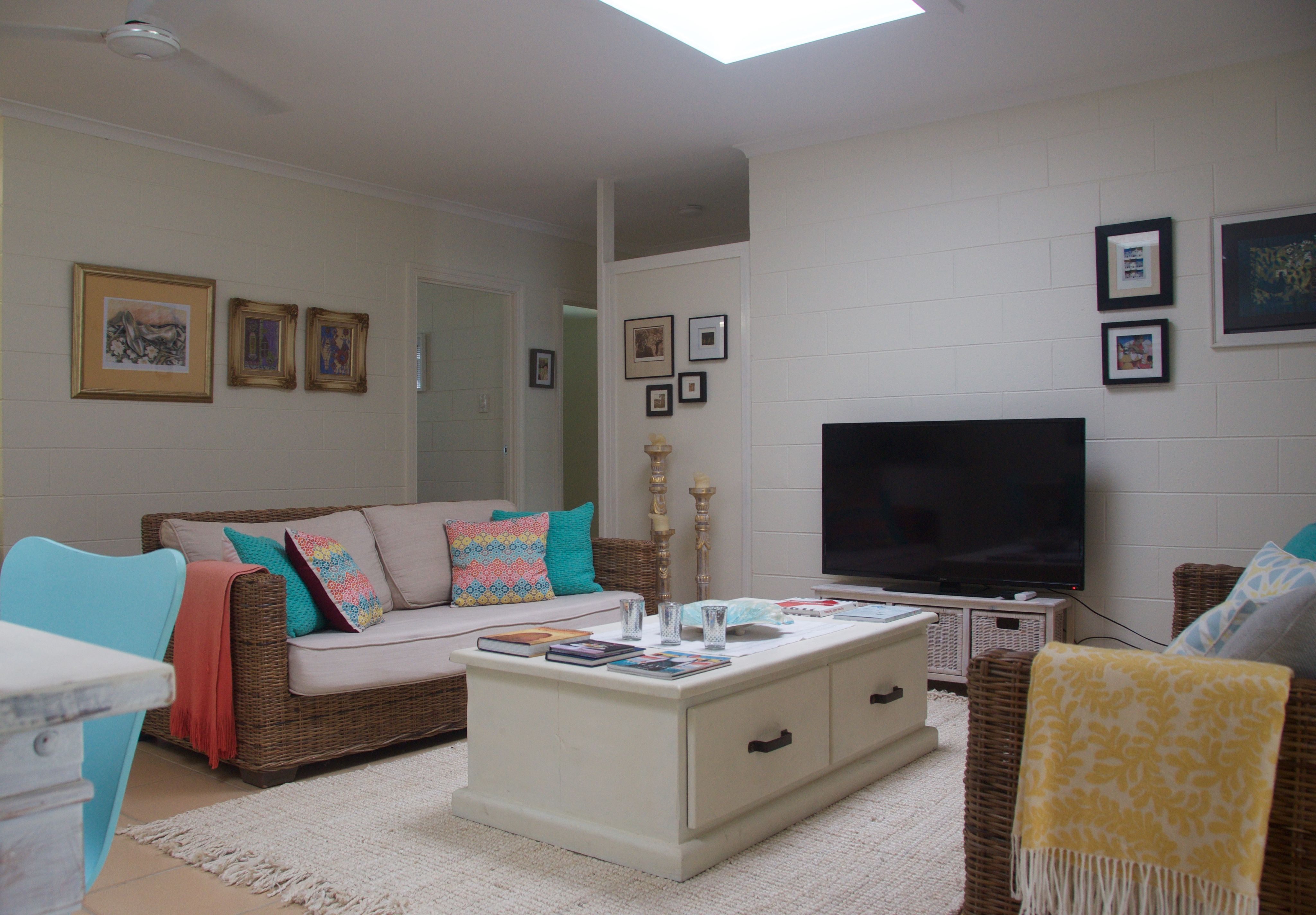 Bright And Lounge Room Holiday Rental Port Douglas Homes For Rent