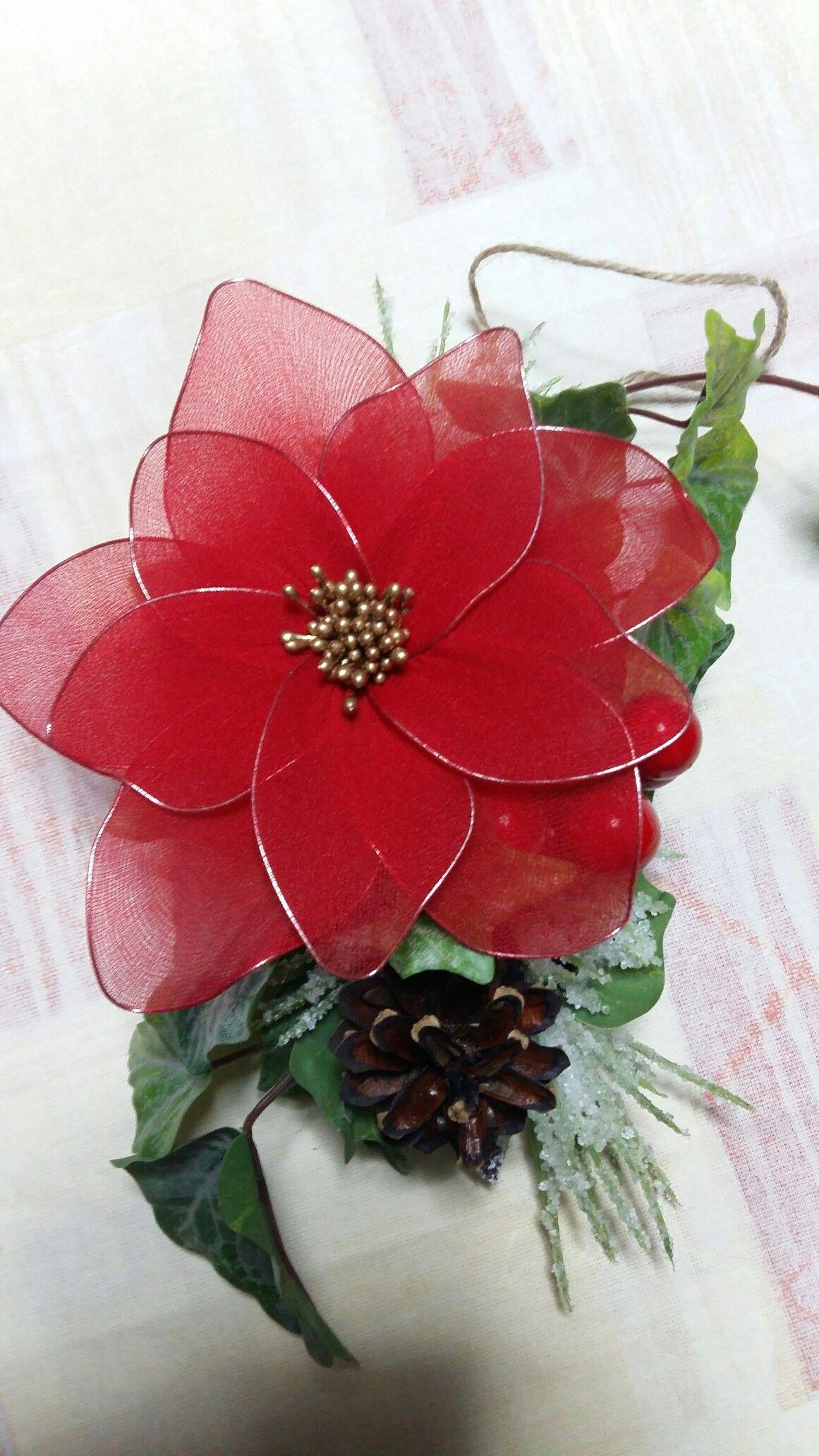 Stelle Di Natale Da Costruire stella di natale fatta a mano con collant.  | stella di