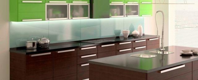 Moderne Küche mit Kochinsel-Oberschränke in leuchtend Grün - moderne küchen mit kochinsel