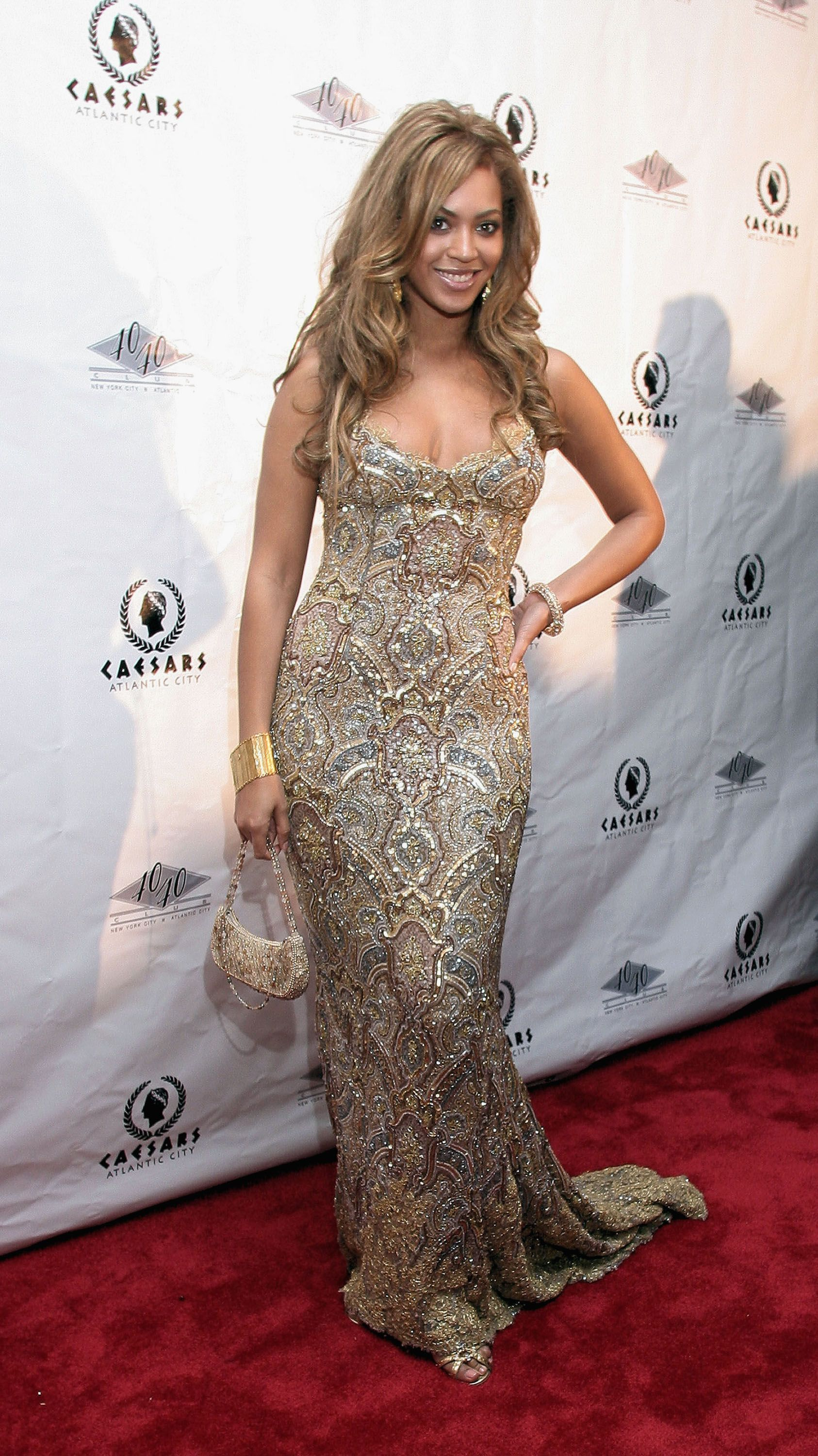 sparkly dress beyonce  923ad4976428