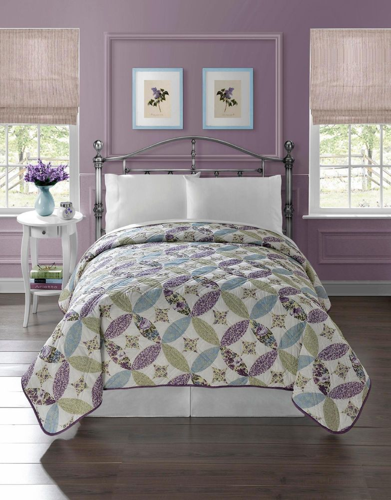 Pretty Floral Quilt Bedspread Coverlet Light Weight Full Queen Size