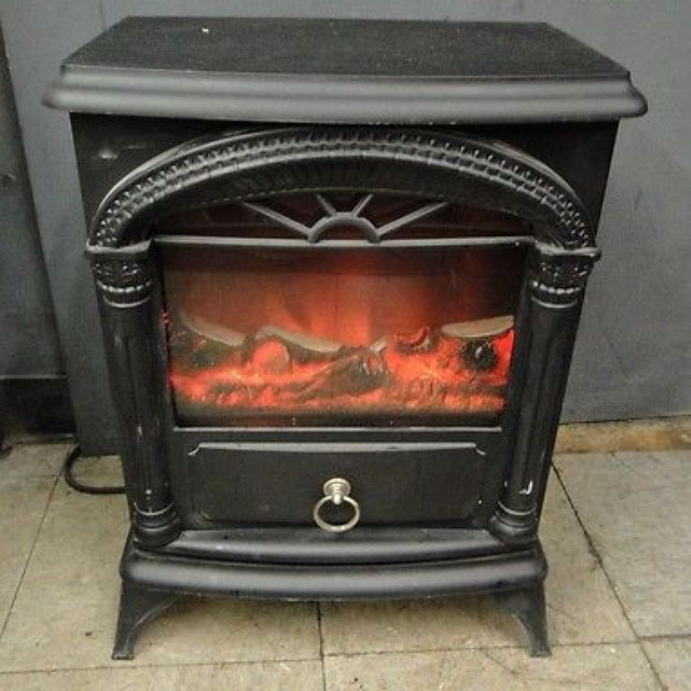 Comfort Zone Presents You With This Classic Colonial Style Freestanding Heater With A Stable Base To Prevent It From Tippi Electric Stove Stove Stove Fireplace