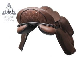 The Paramour Dressage is unparalleled in the mono-flap