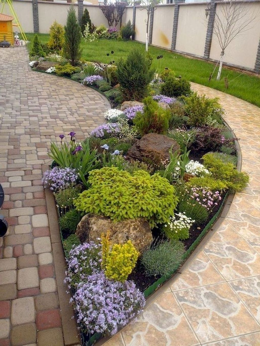 45 Easy And Low Maintenance Front Yard Landscaping Ideas Zyhomy Front Yard Landscaping Design Rock Garden Landscaping Front Yard Garden