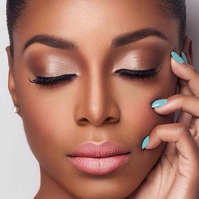 Flawless makeup by @lonicely