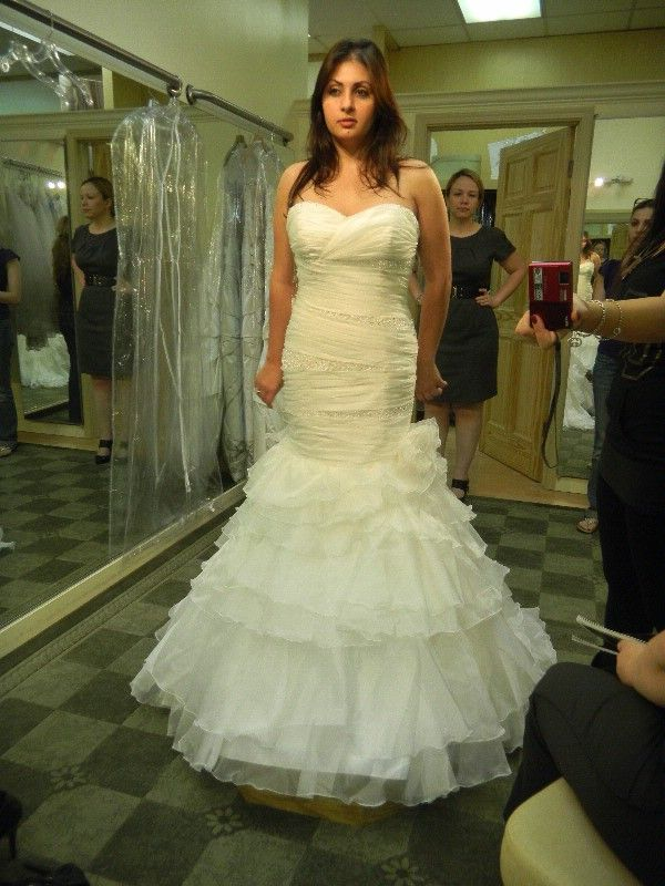 Strapless Lace Big Bust Wedding Dress