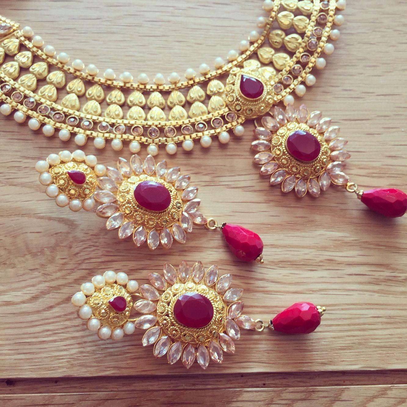 Thoughts xelegant and beautiful sarees u jewels pinterest