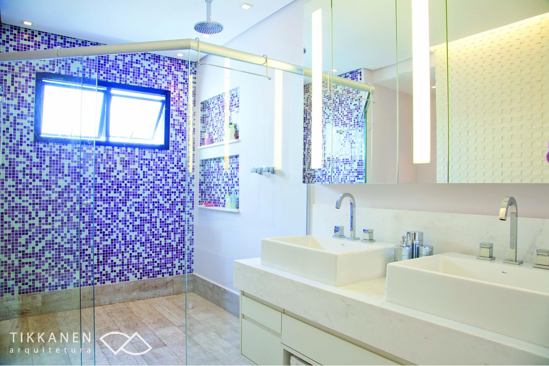 Projeto: Tikkanen Arquitetura Colaboração: arqª Marcela Turíbio Fotos: Carol Coelho Marcenaria : BRASMAR #banheiro #gabinete #armário #espelho