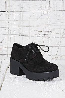 Shoes Urban Outfitters | Lace up shoes, Shoes, Winter