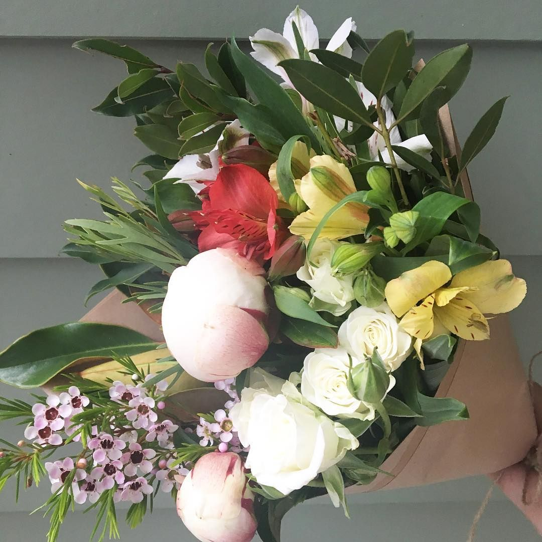 The Posy Co 30 Flowers Delivered In Maroochydore Flowers