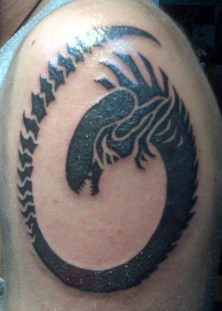 Alien tattoo | Tattoo Ideas | Alien tattoo, Giger tattoo