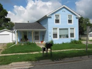 201 Roberts St, Cambria, WI 53923 :: Wisconsin Homes My impression...blue...not quite the blue I would choose but ok...and little grandma and grandpa house.  Pretty cute, pellet stove, smaller kitchen but would do.