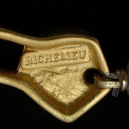 Richelieu   Faux pearl jewelry, Jewelry maker, Vintage ...