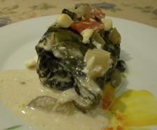 Rezept Mangoldröllchen gefüllt mit Schafskäse und Tomaten von Gast - Rezept der Kategorie Hauptgerichte mit Gemüse