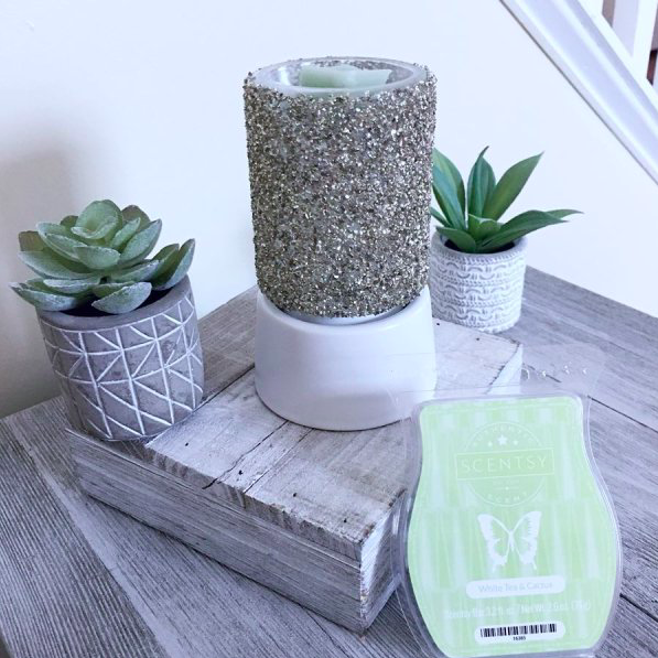 Scentsy Glitter Silver Mini Warmer On A Table Top Stand