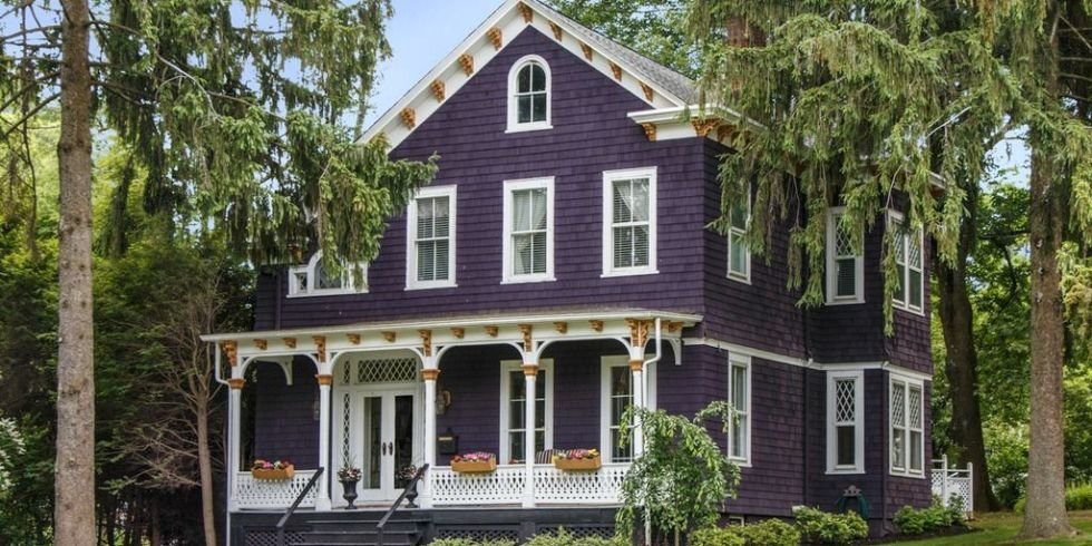 Of All The Exterior Colors Out There Purple Is A Rare Sight That S Why We Were So Thrilled To Find This Beautiful Circa 1882 Victorian Located In Chatham
