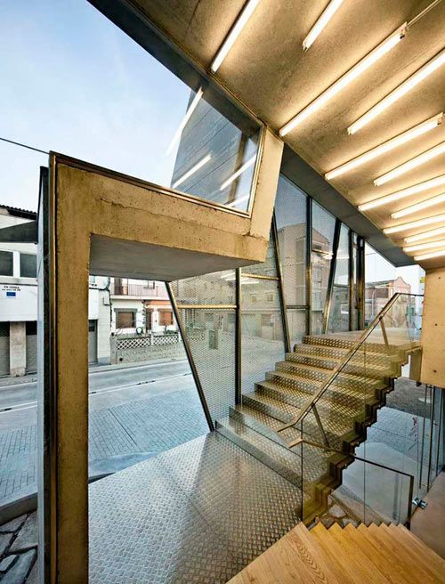 Old-Meets-New in Modern Renovation of An Old Church | Churches ...