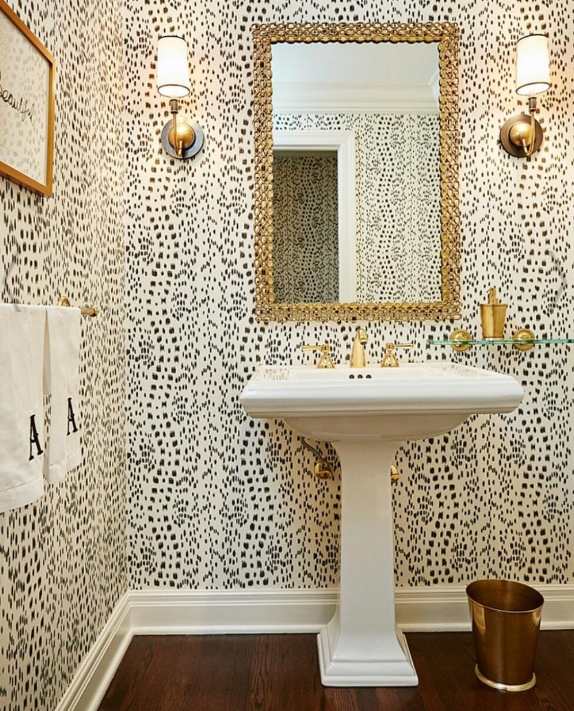 Pin By Own It Oklahoma On Bathrooms Small Bathroom Wallpaper Powder Room Wallpaper Bathroom Decor