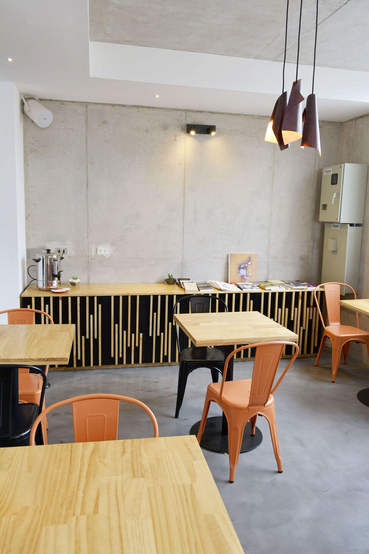 Muebles para cafeter a buffet mas mesas hotel verso for Muebles para cafeteria
