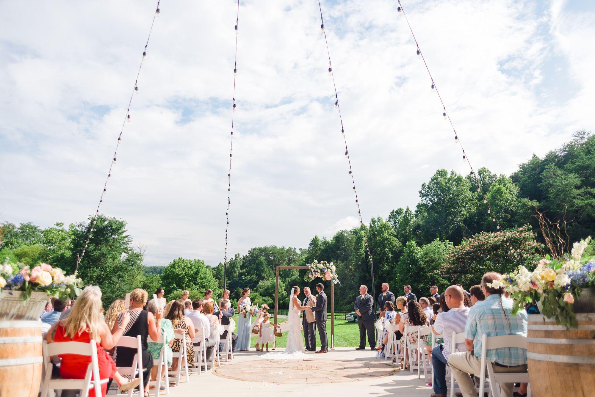 A Modern Barn Wedding Gatlinburg TN | Smoky mountain ...