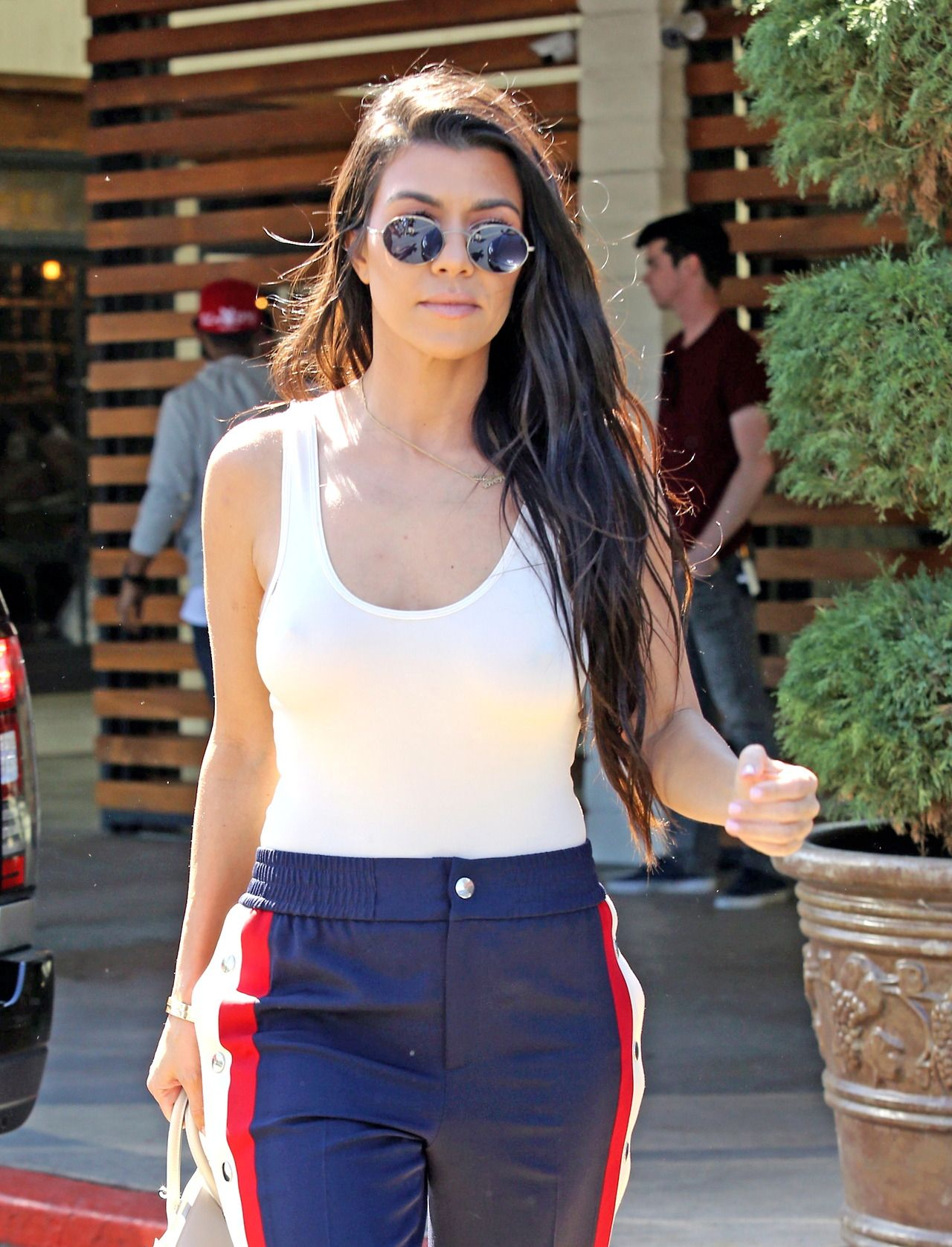 """"""" Kourtney out for lunch in Calabasas - March 15th 2017 """""""