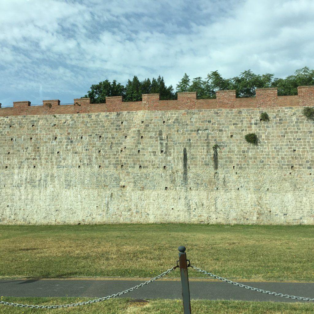 Passeggiata sulle mura di Pisa (city walls) - Italy): Top Tips Before You Go - TripAdvisor