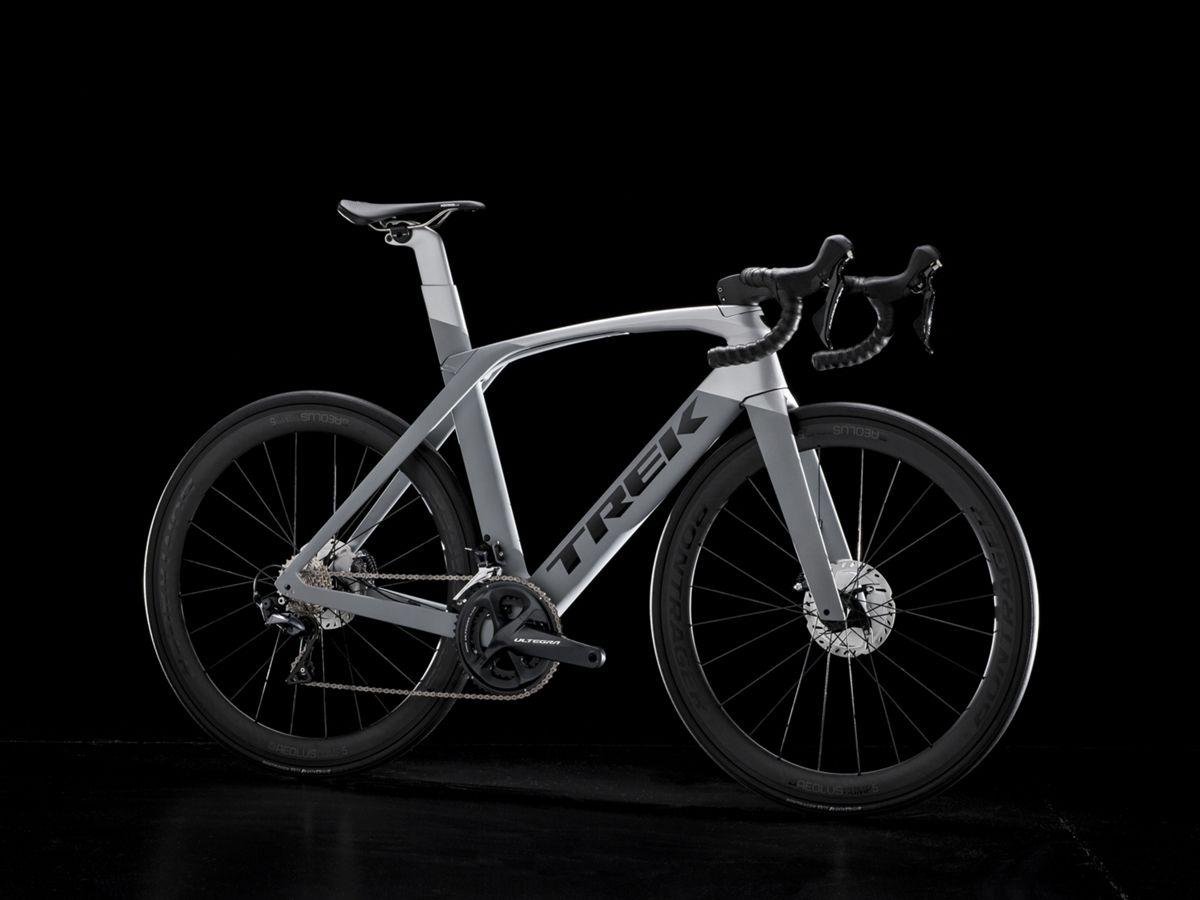 Madone Slr 6 Disc Trek Bikes Jp Road Bike Cycling Trek Madone Road Racing Bike